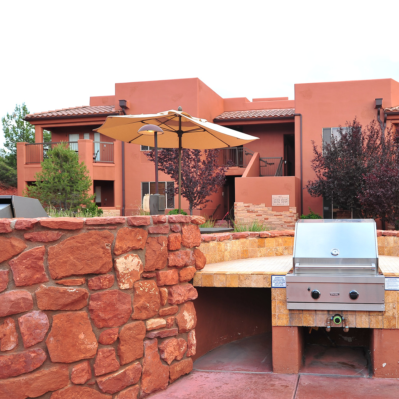 Sedona Summit  Outdoor Grilling Space